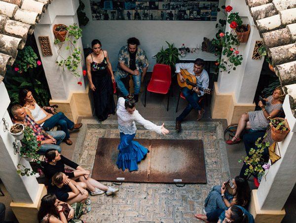 Taller de flamenco en la Academia Andaluza de Idiomas - Conil de la frontera